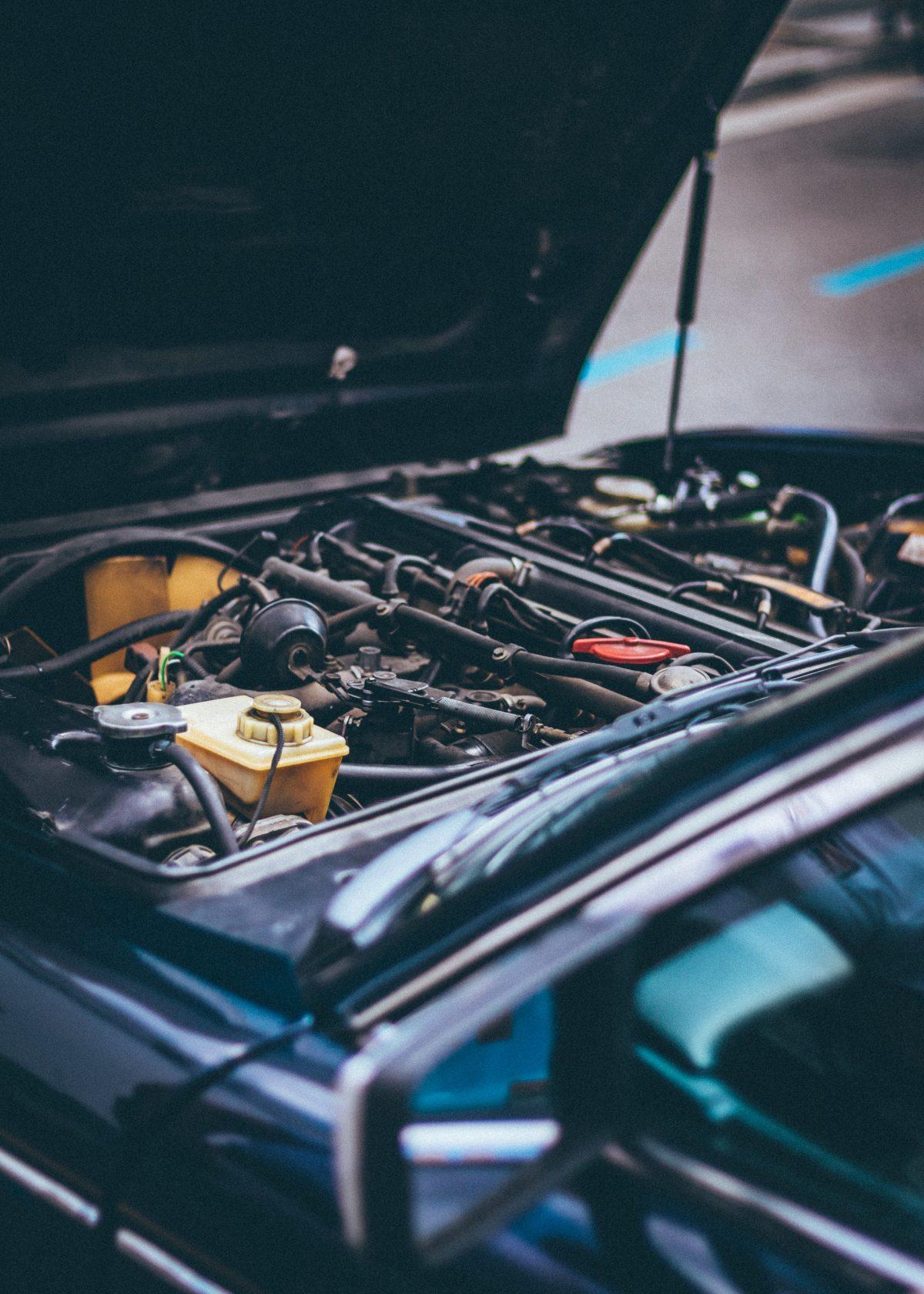 Batteriladdare till bilbatterier: fyra olika typer av batterier